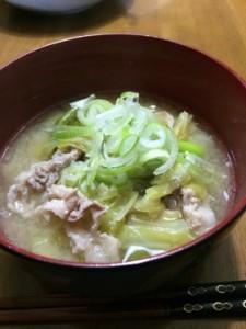 豚バラキャベツ味噌汁