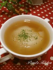 新玉ねぎのコンソメスープ