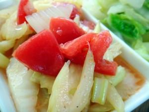 トマトとセロリの和え物