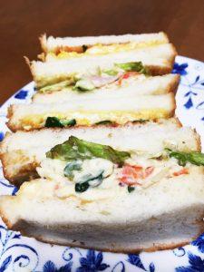 たまごとポテサラのサンドイッチ